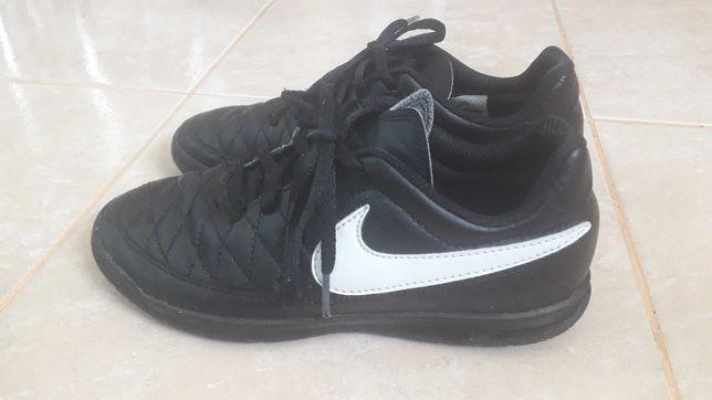 Buty chłopięce nike 35