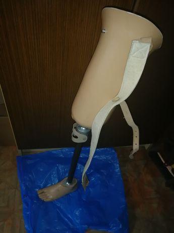 Proteza nogi lewej