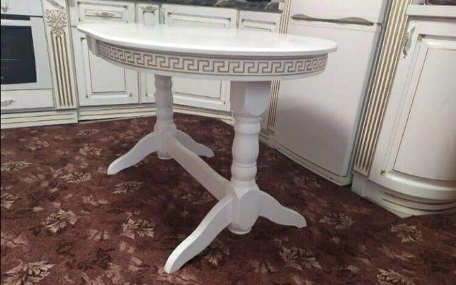 Стіл для кухні та вітальні