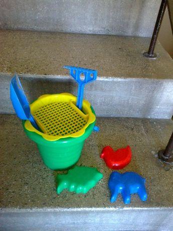 Zabawki do piasku dla dzieci