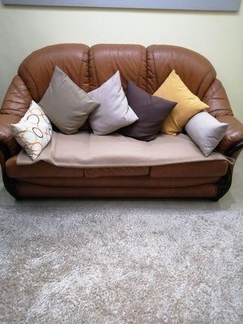 Conjunto sofás em pele castanho em bom estado