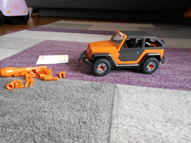 auto jeep RAVELL do skręcania model jak nowy super stan MATTEL mikołaj