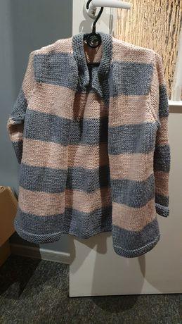 Gruby sweter w paski
