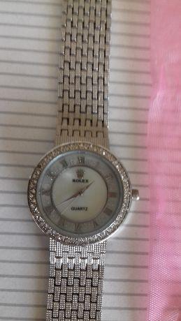 Relógio semelhante a um rolex