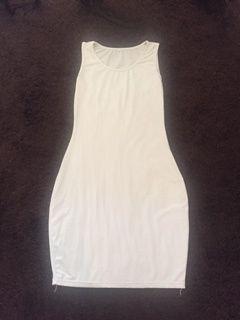 vestido branco tamanho m