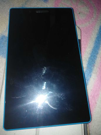 Tablet LENOVO TB3-710I