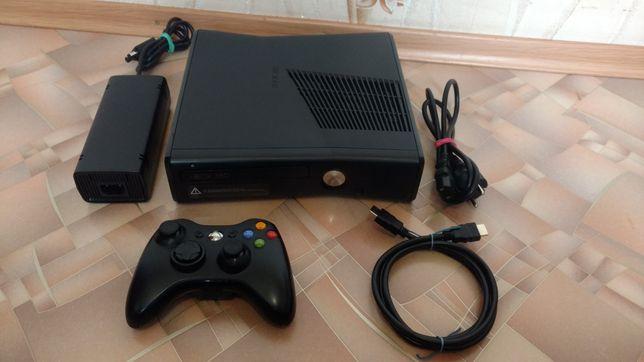 Xbox 360 slim 250 GB Freeboot