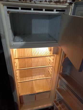 Холодильник средний 1.40