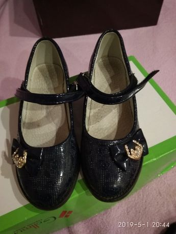 туфли. туфли для девочки. красивые туфли
