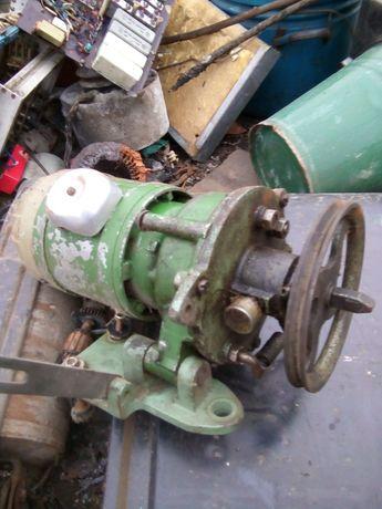 Эл.двигатель с редуктором и шкивом