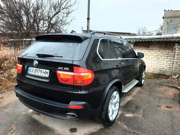 BMW X5 E70 official