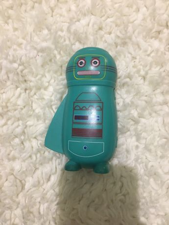Ручной фонарик робот