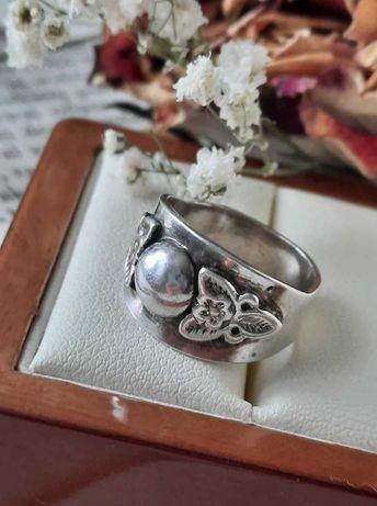 Rytosztuka Stary szeroki 1,2 cm srebrny pierścionek kwiatki listki 11