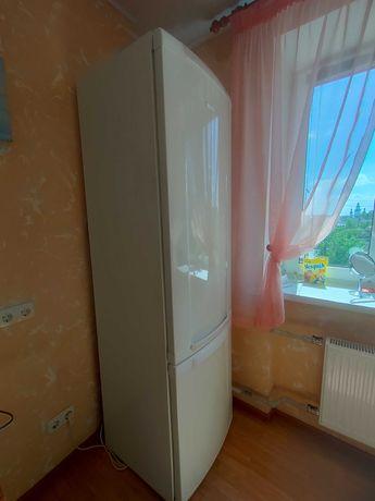 Большой двухкамерный холодильник Electrolux Intuition Space Plus