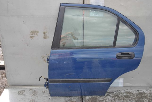 Drzwi lewy tył Honda Civic VI.