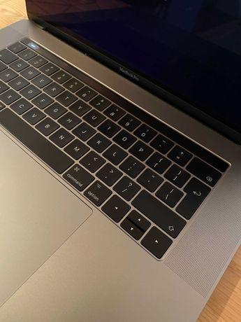 MacBook Pro 15'4, 2017, 1TB SSD, i7 3,1GHZ IDEALNY