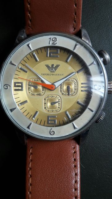 """Часы Emporio Armani(механика) 1600гр., и часы """"Citizen"""" Japan 850 гр."""