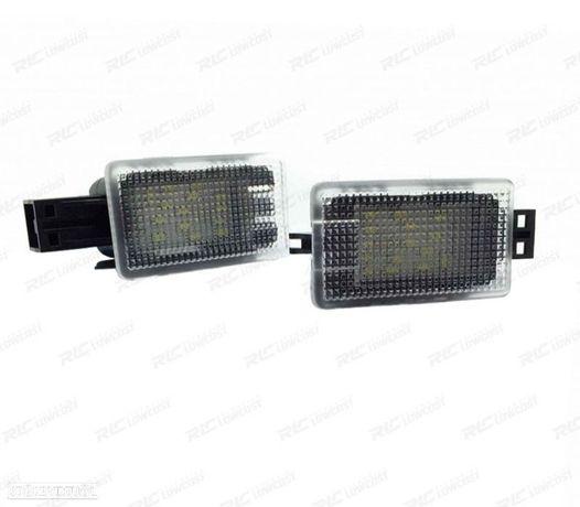LÂMPADAS LED PARA PÉS PARA VOLVO C70, V50, S60, S60L, V40, XC90, S80, S80L, V60, XC60