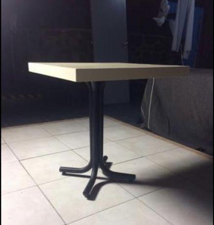 Mesas em Madeira