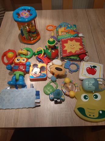 Zestaw zabawki dla niemowlaka grzechotki, gryzaki, książeczki +gratis