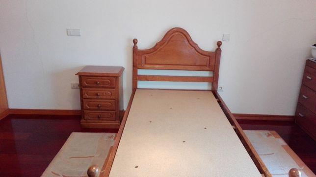Vendo cama solteiro com colchão incluído