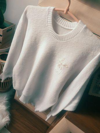 Piękny sweter sweterek biały alpaka vintage bufiaste rękawy
