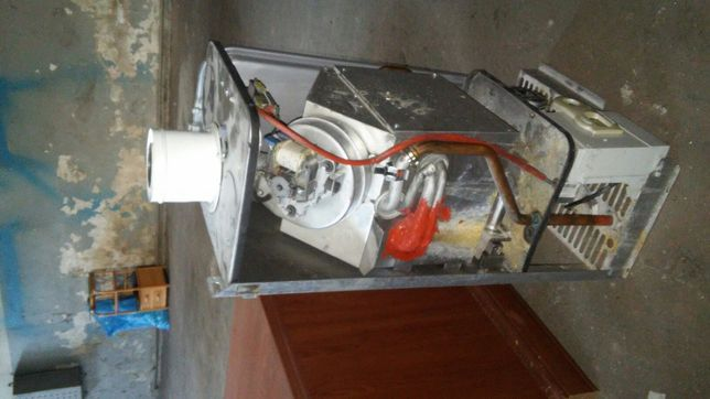 Piecyk ferroli gazowy w calosci kompletny