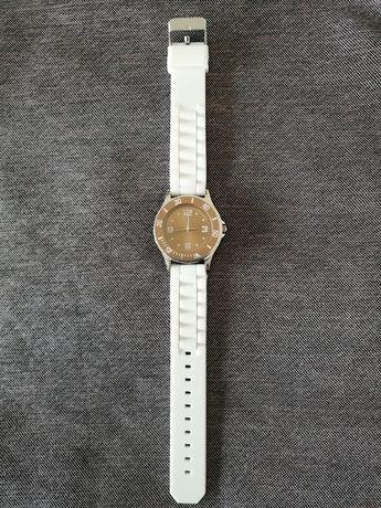 Relógio Yves Rocher