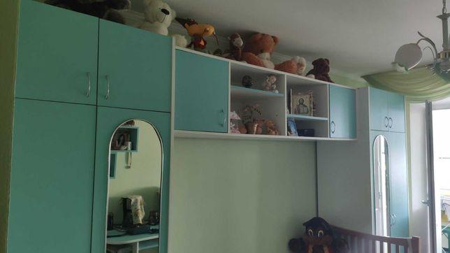 Продается б.у. мебель - шкаф и одноместная кровать