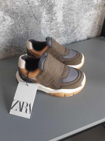 Новые кроссовки Zara 23 размер