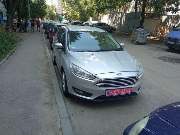 Автомобиль Ford Focus (2015)