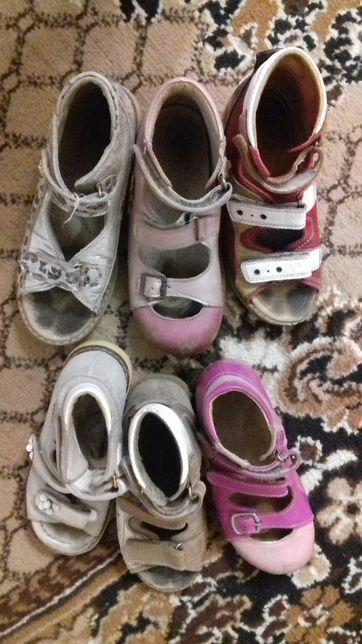 Продам ортопедическую обувь на девочку,р.28-33,50 грн/пара