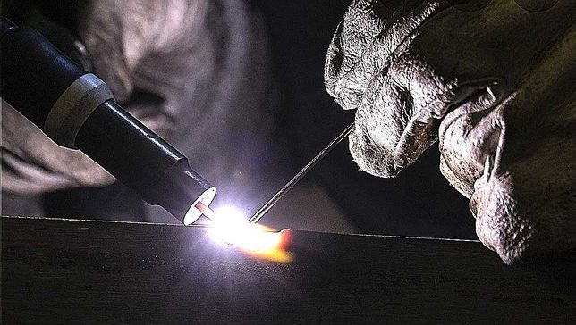 Soldas e reparações em alumínio, aço inox, ferro, ferro fundido etc.