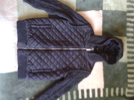 Продам фирменную демисезонную курточку на мальчика 10-11лет