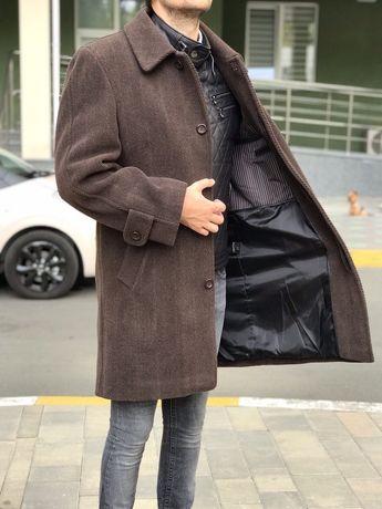 Продам пальто зимнее мужское, размер 52 в отличном состоянии
