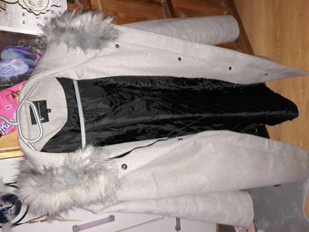 Płaszcz damski rozmiar 44 na 46
