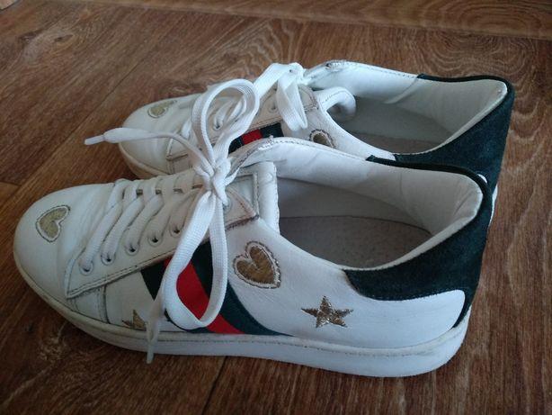 Продам кроссовки, 36 размер