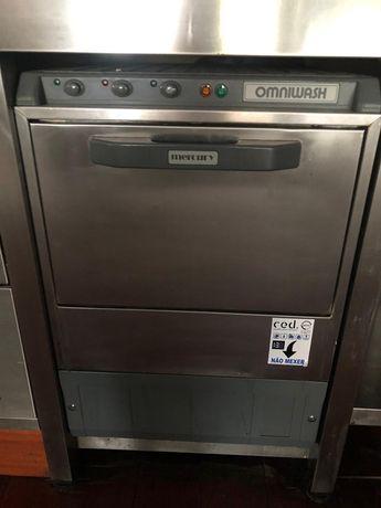 Máquina lavar copos e chavenas