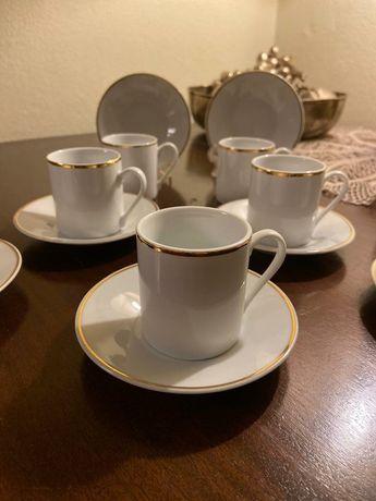 Conjunto de 7châvenas porcelana Inglesa bonitas e elegantes