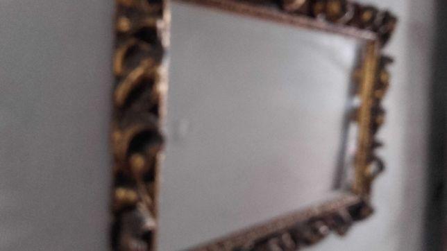Espelho de talha dourada antigo em bom estado de conservação