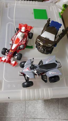 Três carros de brincar, como novos por 10€