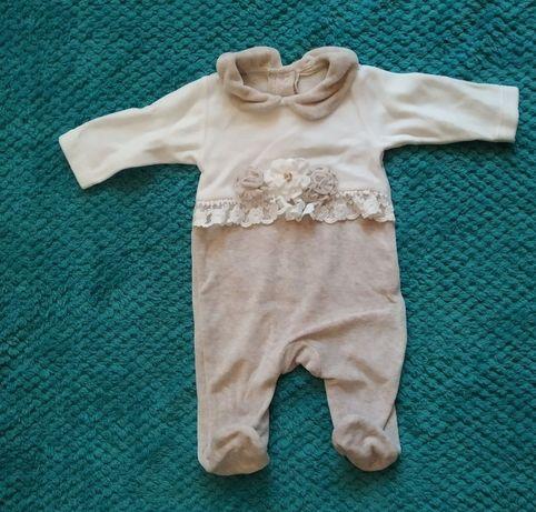 Нарядный человечек на выписку для новорожденого