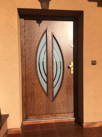 Renowacja Antyków Mebli Krzeseł Odnawianie Drzwi