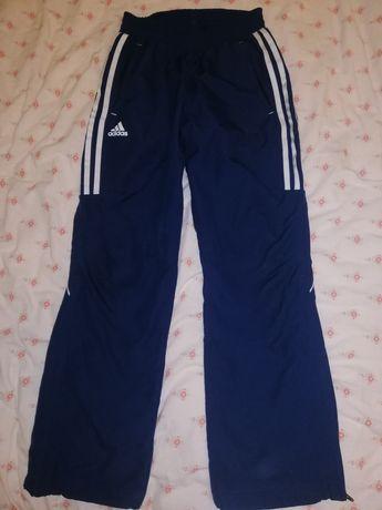 Продам спортивні штани Adidas оригінал 152 розмір