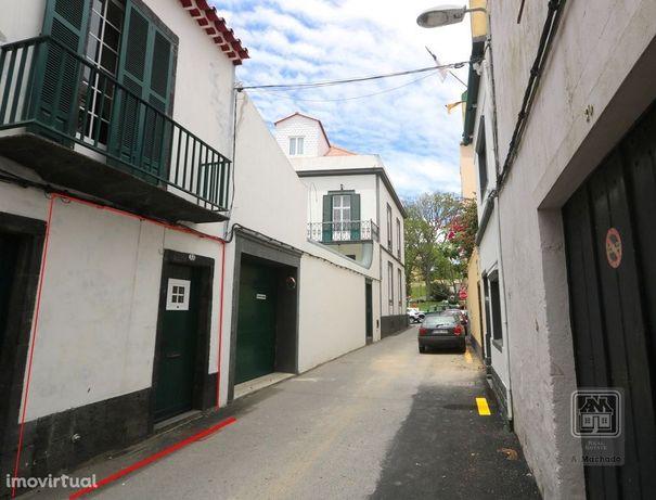 VENDA de APARTAMENTO T1 [Ref. 3798] São Sebastião, Ponta Delgada, S...