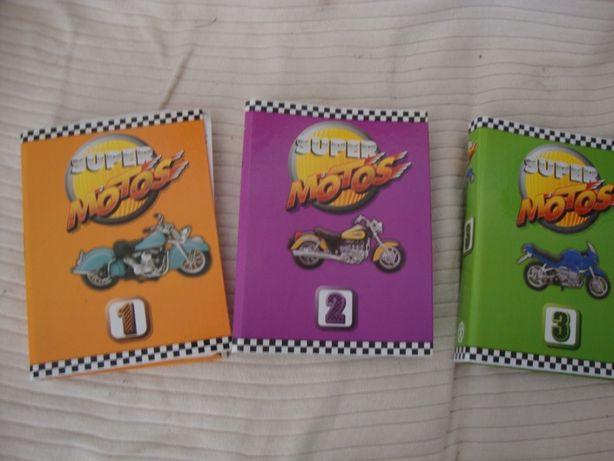 3 livros ou capas com fascículos de motas
