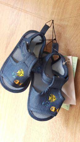 Nowe sandałki sandały buty r. 21 niebieskie na lato