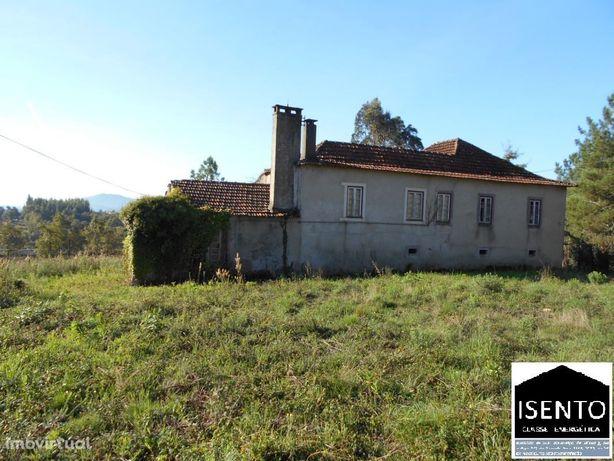Casa para reconstruir com muito charme próximo de Avelar.