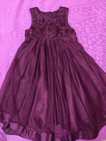 Нарядное платье Mothercare на 7-9 лет