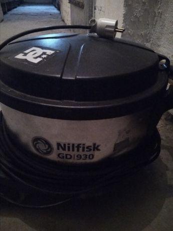 Odkurzacz biurowy Nilfisk Gd 930 zamienię